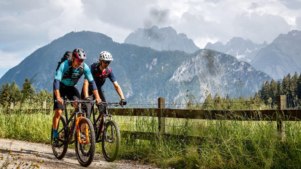Kerékpáros nyári táborok